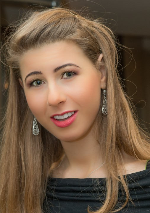 Make- up artist, Anna Zukowska