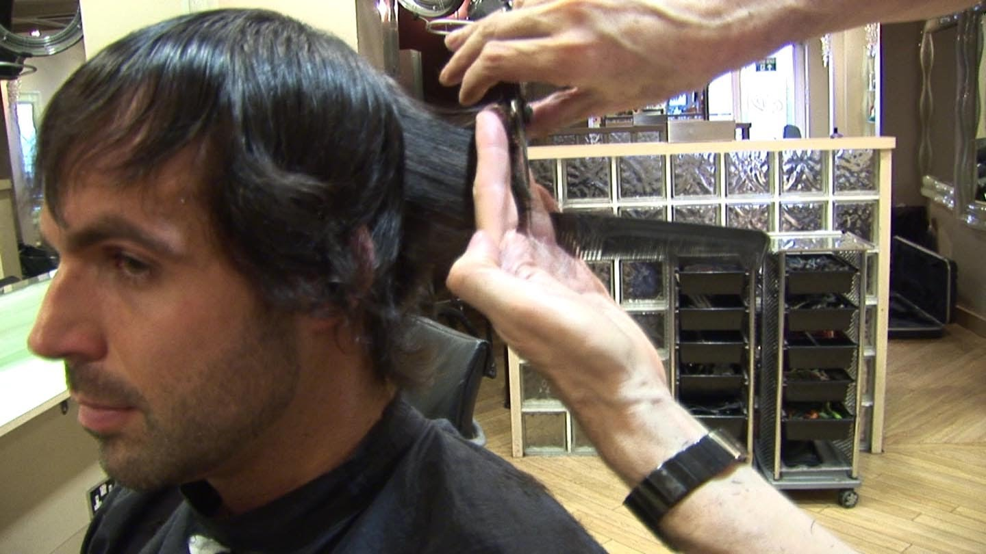 Men's Medium Length Haircut With Layers